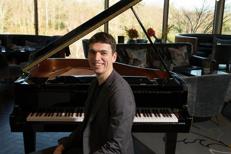 Liam O Byrne Pianist €330